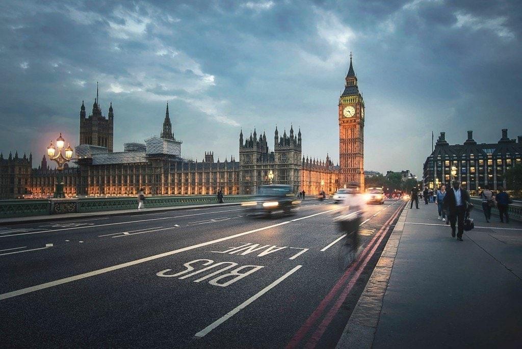 Blending Light HDR-Photography-London-Rush