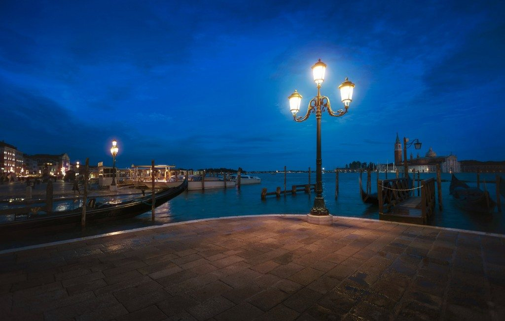 Blending-Light-HDR-Photography-Venice-Night