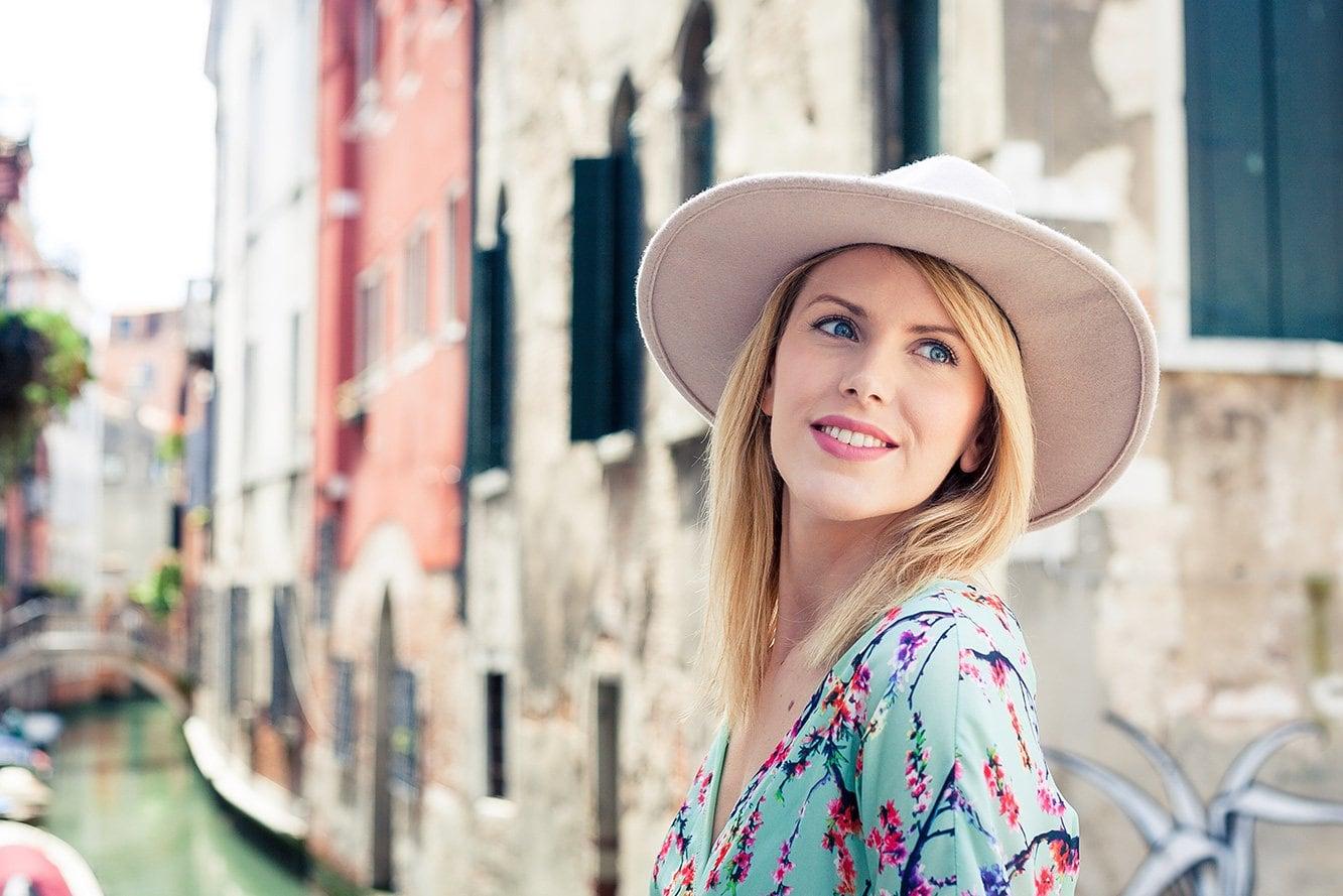 Bundle-Two-Beautiful-Lightroom-Presets-Portrait-Sunshine-Wedding-Blogger-C after